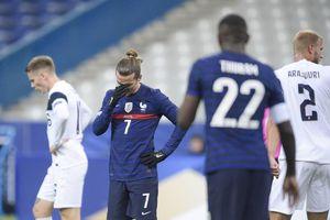 Pháp thua ê chề ngày con trai huyền thoại chào sân