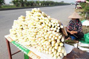 Nam Định: Bắp niễng rớt giá