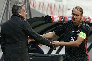 Thi đấu 45 phút, cầu thủ Croatia bất ngờ bị thay ra vì nhiễm Covid-19