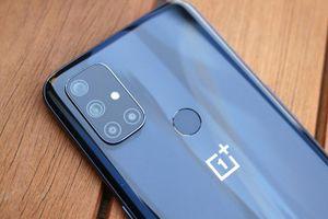 Cận cảnh smartphone chip S690, sạc 30W, giá hấp dẫn