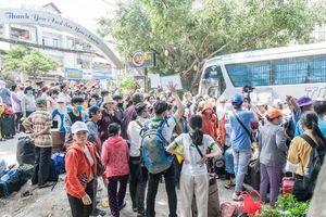 Phiên chợ giúp người nghèo về quê miền Trung ăn Tết