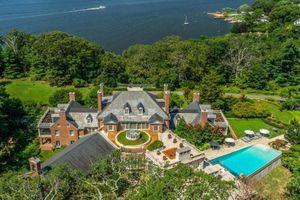 Căn nhà giữa rừng trở thành dinh thự 25 triệu USD