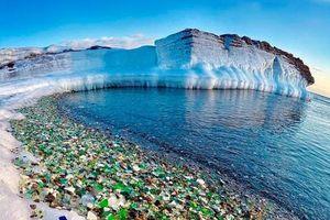 Độc đáo với bãi biển thủy tinh độc nhất vô nhị ở Nga