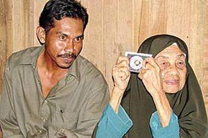 Cụ bà 109 tuổi lấy trai tân kém tận 70 tuổi và bí quyết giữ chồng khiến ai cũng bất ngờ