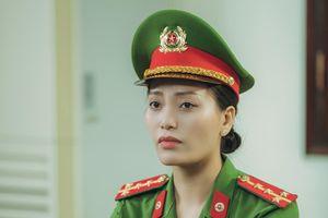 Sao Mai Huyền Trang 'hóa' thành cảnh sát hình sự trong phim ca nhạc 'Nắng lên bên mẹ'