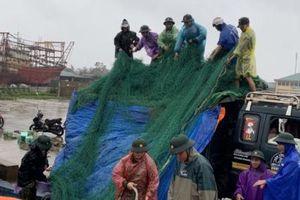 Người dân Quảng Trị chạy bão Vamco