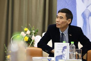 TS Lê Thẩm Dương ra sách mới 'Người trưởng thành là người biết sợ'
