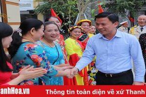 Đồng chí Bí thư Tỉnh ủy Đỗ Trọng Hưng dự ngày hội Đại đoàn kết toàn dân tộc tại TP Thanh Hóa
