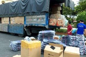 Phát hiện xe tải chở hàng không rõ nguồn gốc xuất xứ