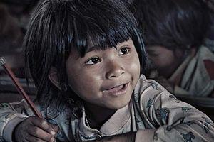 Đấu giá ảnh gây quỹ cho học sinh miền Trung