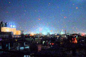 Lễ hội lên nóc nhà thả diều ở Ấn Độ