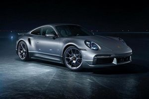 Porsche ra mắt 911 Turbo S đặc biệt cùng chuyên cơ Embraer