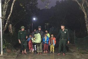 Vận động, di dời hàng trăm hộ dân tránh trú bão số 13 ngay trong đêm