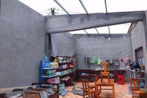 Bão số 13 thổi bay hơn 1.500 mái nhà, 18 người bị thương