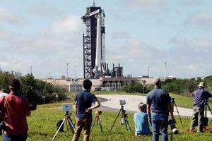 SpaceX hoãn phóng tàu vũ trụ do thời tiết xấu