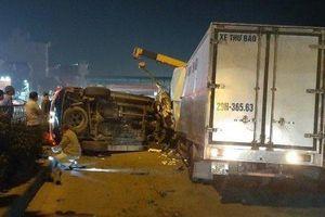 Xe ô tô Fortuner đâm xe thư báo khiến 1 người chết, 2 người bị thương