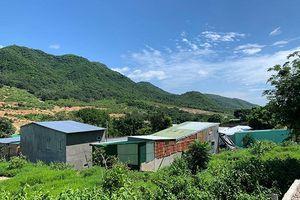 Khu dân cư tự phát trên núi Cô Tiên