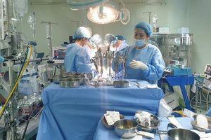 Cần Thơ: Cứu sống bệnh nhân suy tim nặng do hẹp nhiều nhánh động mạch vành bằng kỹ thuật mới