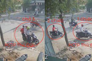 Ba thanh niên đèo nhau tới bãi xe, sau vài giây đều có 'xe riêng' ra về