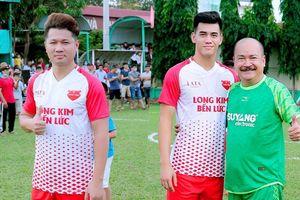 Lâm Vũ, Hoàng Sơn tổ chức trận bóng gây quỹ, quyên góp hơn 300 triệu ủng hộ miền Trung
