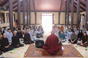 Hà Nội : Các bạn trẻ về chùa Hòa Phúc tập sống chánh niệm