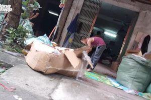 Đồ trẻ em nhập lậu từ Trung Quốc bán công khai ở Hà Nội