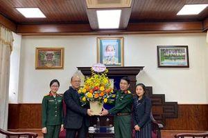 Báo Quân đội nhân dân thăm, chúc mừng các thầy, cô giáo nhân ngày 20-11