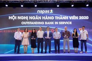NAPAS vinh danh các ngân hàng làm tốt các dịch vụ thanh toán không tiền mặt