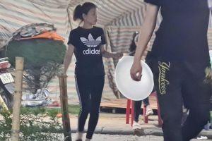 Hải Phòng: Cận cảnh bóng cười, lều bạt... chăng kín góc hồ An Biên