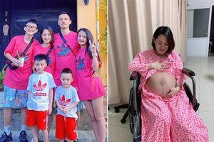 'Vỡ kế hoạch' bầu lần 5, mẹ Hà Nội đang livestream phải 'chạy' ngay đi đẻ