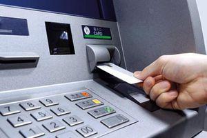 Cái kết 'đắng' cho người nhặt được thẻ ATM, lại còn đoán trúng cả mã số để rút được tiền