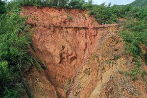 'Hố tử thần' dày đặc ở vùng cao Quảng Ngãi