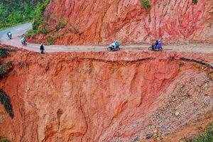 10 km ở Quảng Ngãi có 76 điểm lở núi nguy hiểm