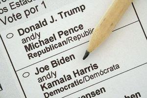 Bầu cử Mỹ 2020: Hai người đàn ông bị bắt vì đăng ký 8.000 phiếu cử tri giả