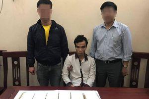 Tạm giữ đối tượng vận chuyển 6 bánh heroin từ Nghệ An ra Bắc tiêu thụ