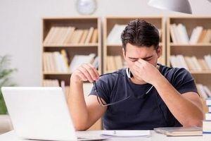 Thói quen dân văn phòng thường mắc phải nguy hiểm hơn hút thuốc lá