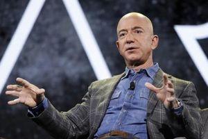 Jeff Bezos bật mí bí kíp 'vàng' về bán hàng trên internet trong cuốn sách mới 'Life and Reflection'