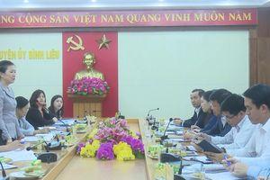 Ban Thường trực Ủy ban Trung ương MTTQ Việt Nam làm việc tại huyện Bình Liêu