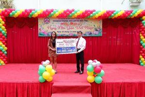 HD SAISON 5 năm liền tặng học bổng cho trường Đức Trí