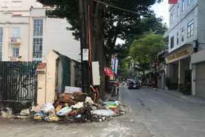 Tiếp bài 'Phố Yên Phụ tràn ngập rác thải': Nhà thầu thiếu kinh nghiệm, năng lực làm vệ sinh môi trường?