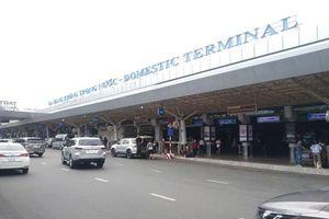 Xuống máy bay, hành khách mất cả giờ đồng hồ chờ taxi Grab để về nhà