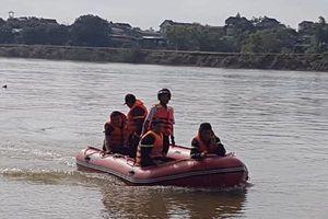 Đã tìm thấy thi thể người lái đò mất tích trên sông Lam