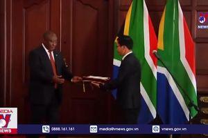 Trình quốc thư lên Tổng thống Nam Phi