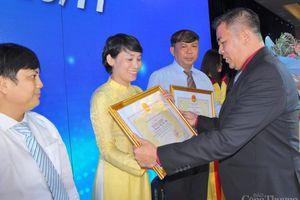 Tập thể, cá nhân Đại học Công nghiệp TP. Hồ Chí Minh được khen thưởng