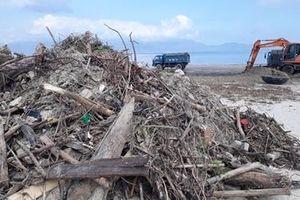 Hơn 3.500 tấn rác 'tấn công' các bờ biển ở Đà Nẵng