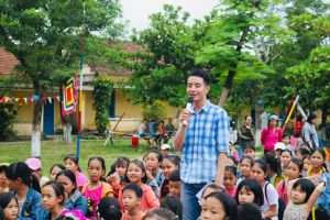 Lớp tiếng Anh miễn phí của thầy Dương Quốc Bảo
