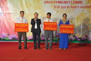 Thường trực Ban Bí thư Trần Quốc Vượng thăm, chúc mừng Ngày Nhà giáo Việt Nam tại Yên Bái