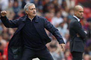 Mourinho tái sinh trong sự tụt lùi của Pep