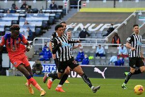 Vòng 9 Premier League: Chelsea thắng Newcastle 2-0 trên sân khách