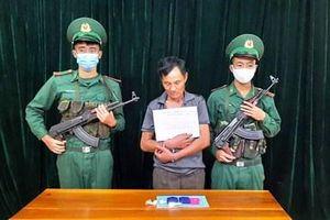 Điện Biên: Bắt giữ đối tượng mua bán trái phép 600 viên ma túy